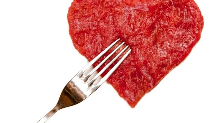 Kjøtt er forbundet med flere sykdommer og kan forkorte livet. Reklame via Matprat øker kjøttforbruket i Norge.
