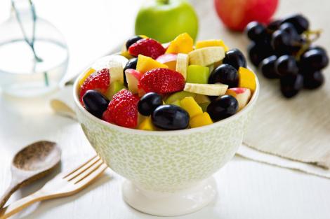 Frukt og bær er rike på vitaminer, antioksidanter, mikroelementer og fiber