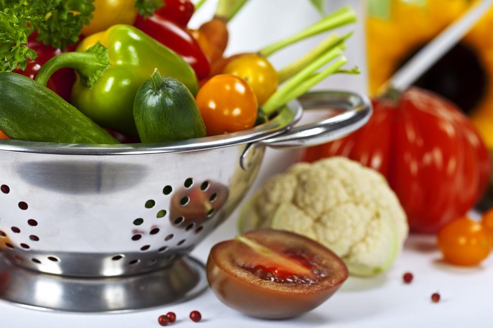 Belgvekster, grønnsaker, fullkorn, frukt, bær, nøtter og kjerner er basis i sunn plantekost