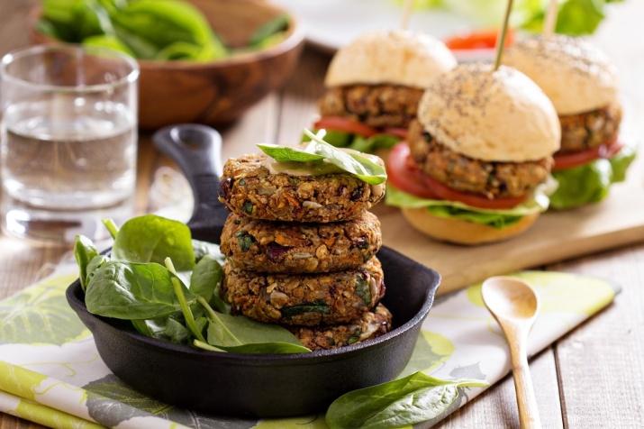 Både burgere, pizza, taco og mange andre middager kan lager av bønner, grønnsaker og nøtter