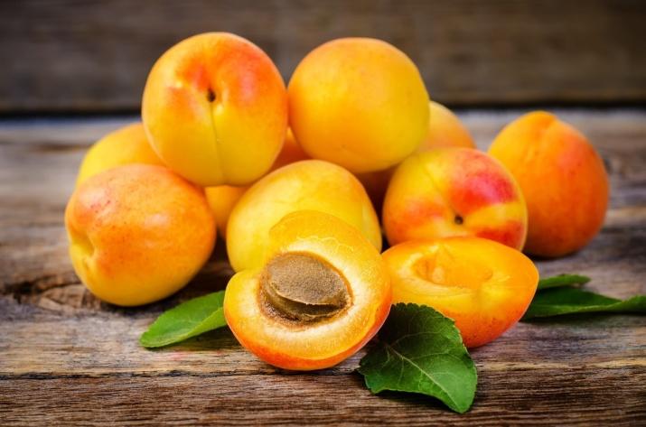 Tørket aprikos er sunt og rik på jern, kalsium, kalium, magnesium, beta-karoten, vitamin E og fiber